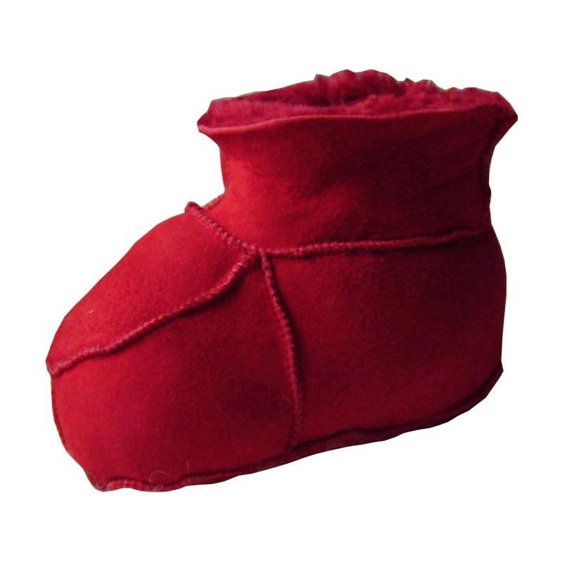 chaussons souples pour b b rouge ou beige. Black Bedroom Furniture Sets. Home Design Ideas